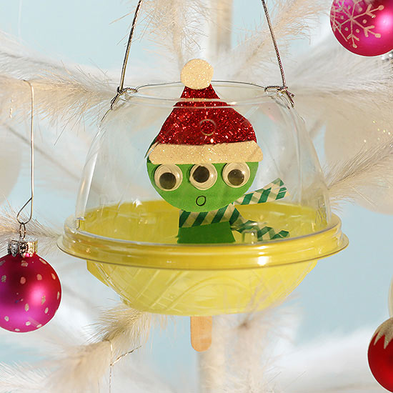 Kids' Christmas Ornament: Cute Alien Spaceship