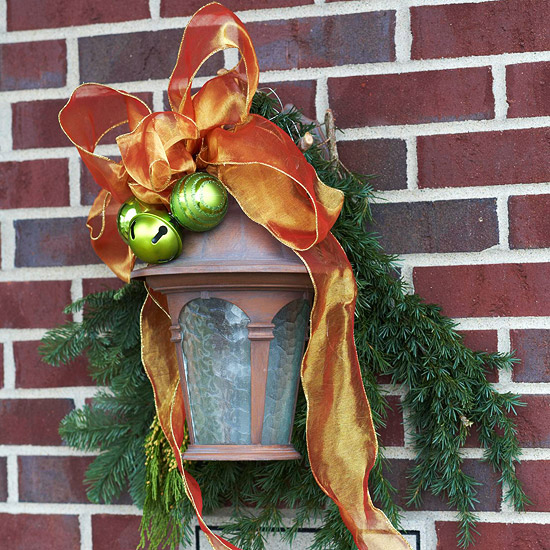 Exterior lights with ribbon