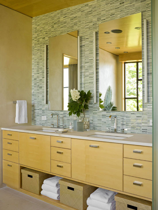 Maple cabinets, tile wall
