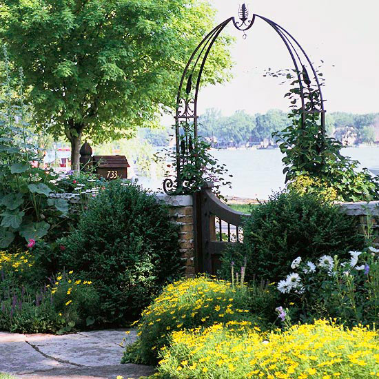Garden Entrance with Grand Appeal