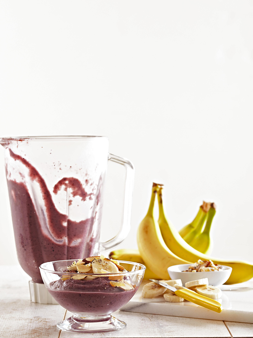 Berry-Banana Smoothie Bowls and blender