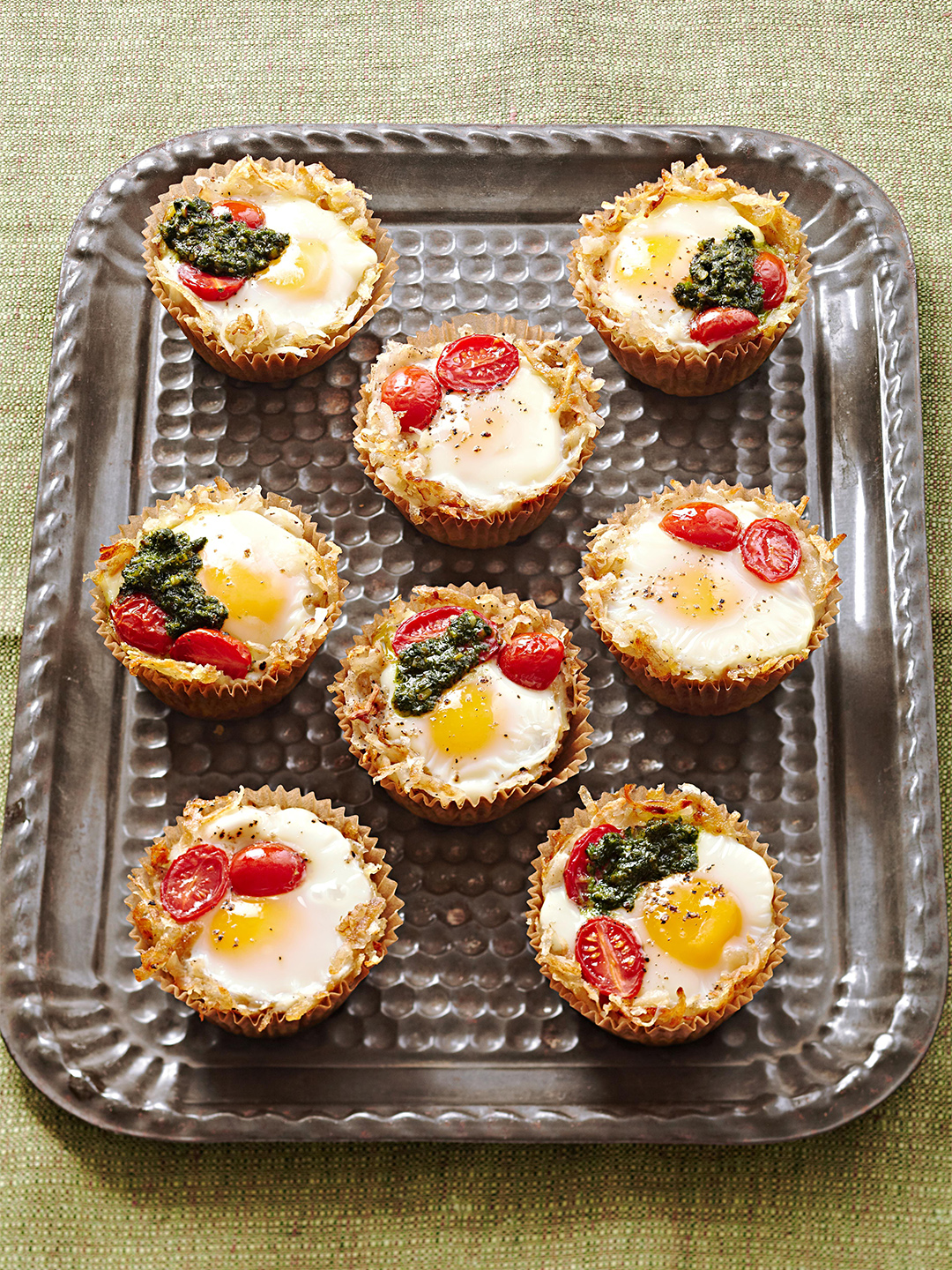 Birdie in the Basket muffins with egg and cherry tomato and spinach