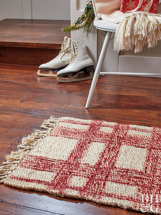 Easy Front-Entry Plaid Runner