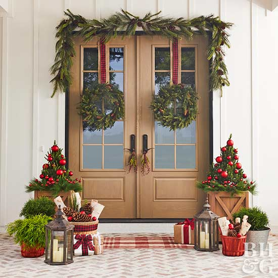 holiday door decorations