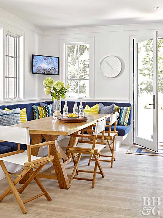 dining nook with built-in seating