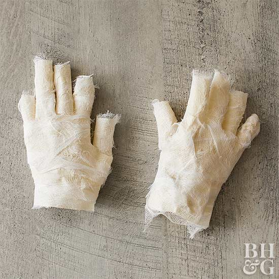 mummy hands