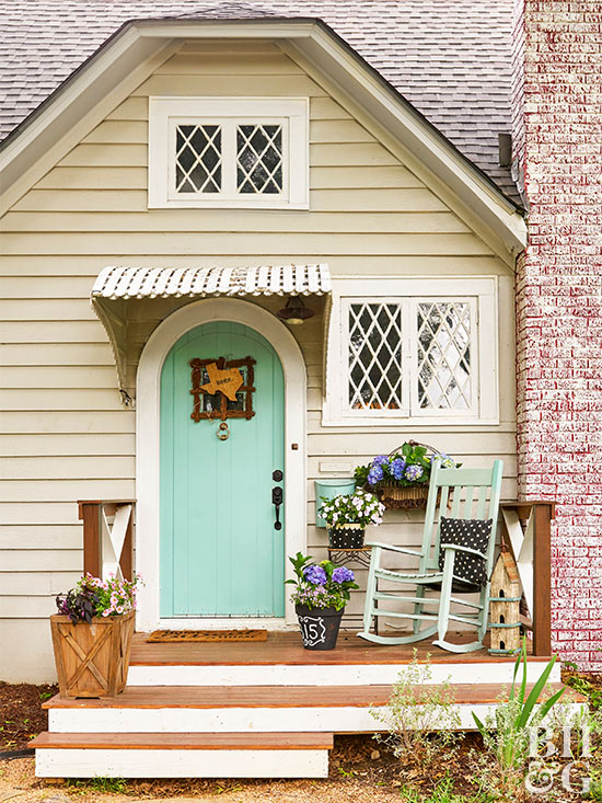 Cottage style house exterior