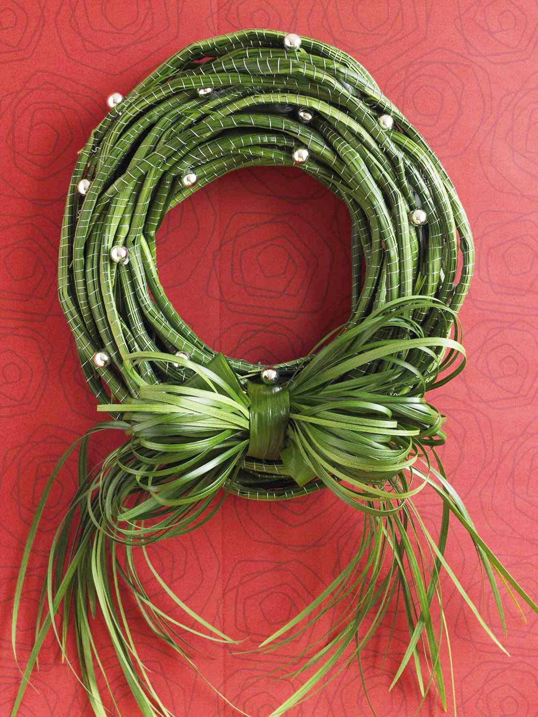 diy coiled lily grass Christmas wreath