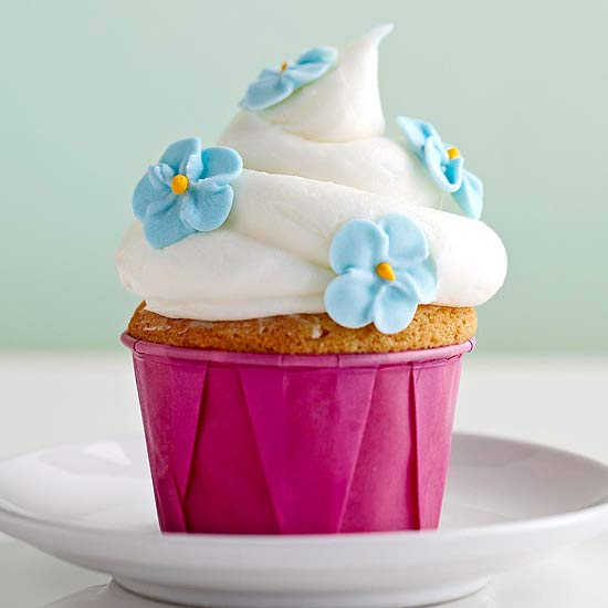 Buttercakes with Sour Cream Frosting