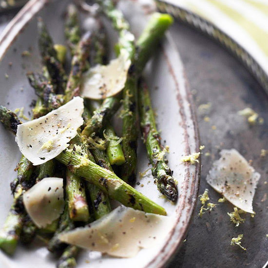 Grilled Asparagus with Parmesan Curls