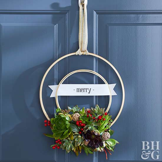 christmas wreath with embroidery hoops