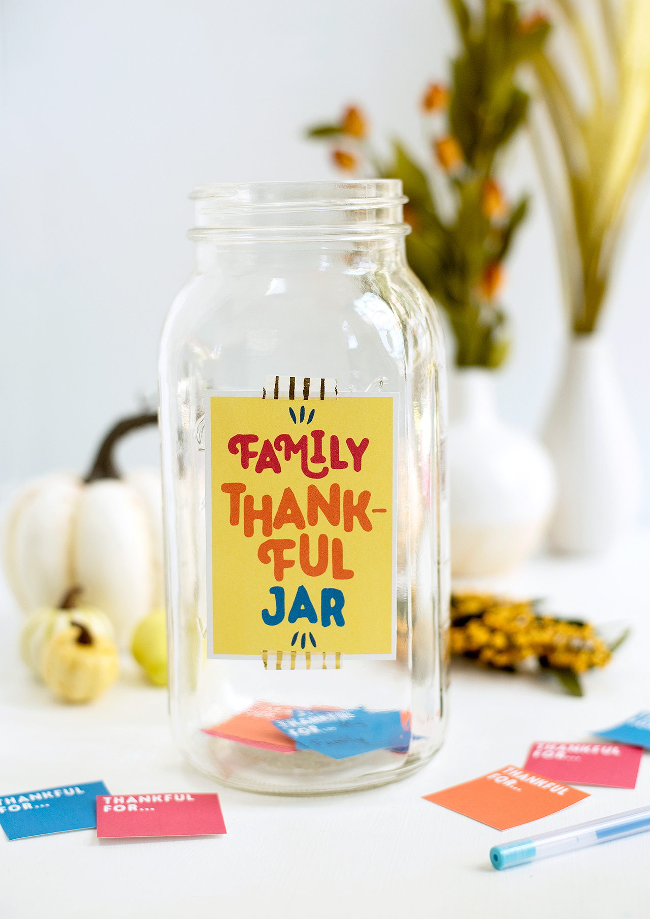 family thankful jar with colorful cards
