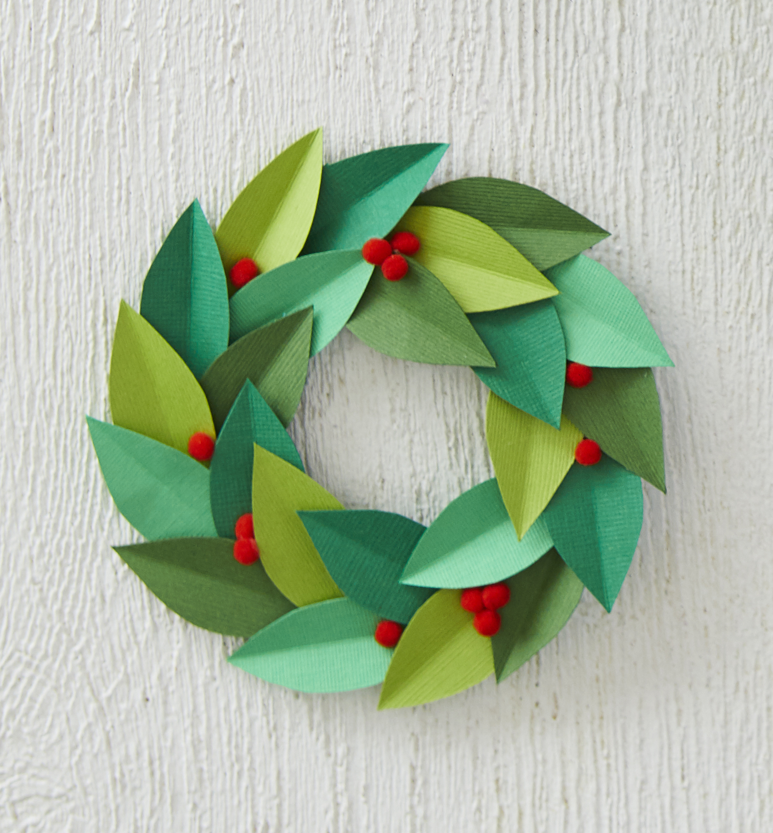 paper wreath diy gift topper