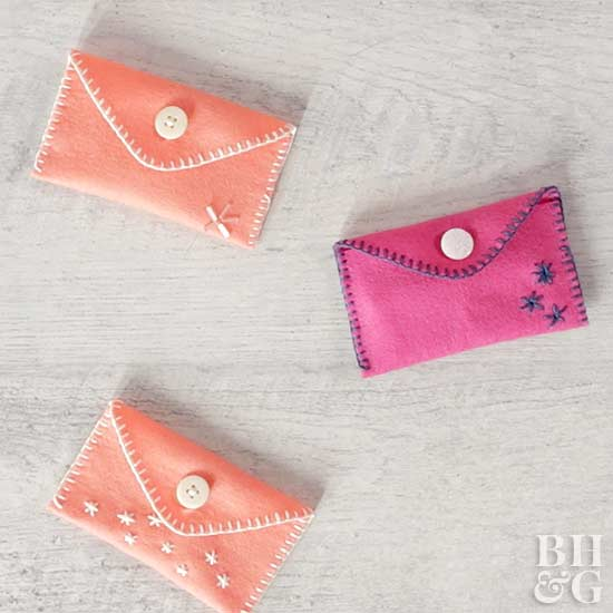 easy-hand-stitched-felt-pouch-BHG0218-0a574229.jpg