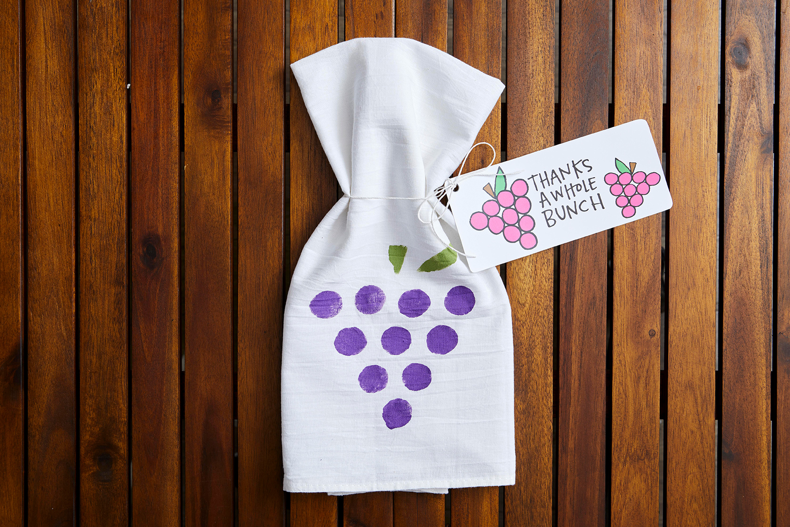 diy hand painted thank you note and hostess napkin with grapes