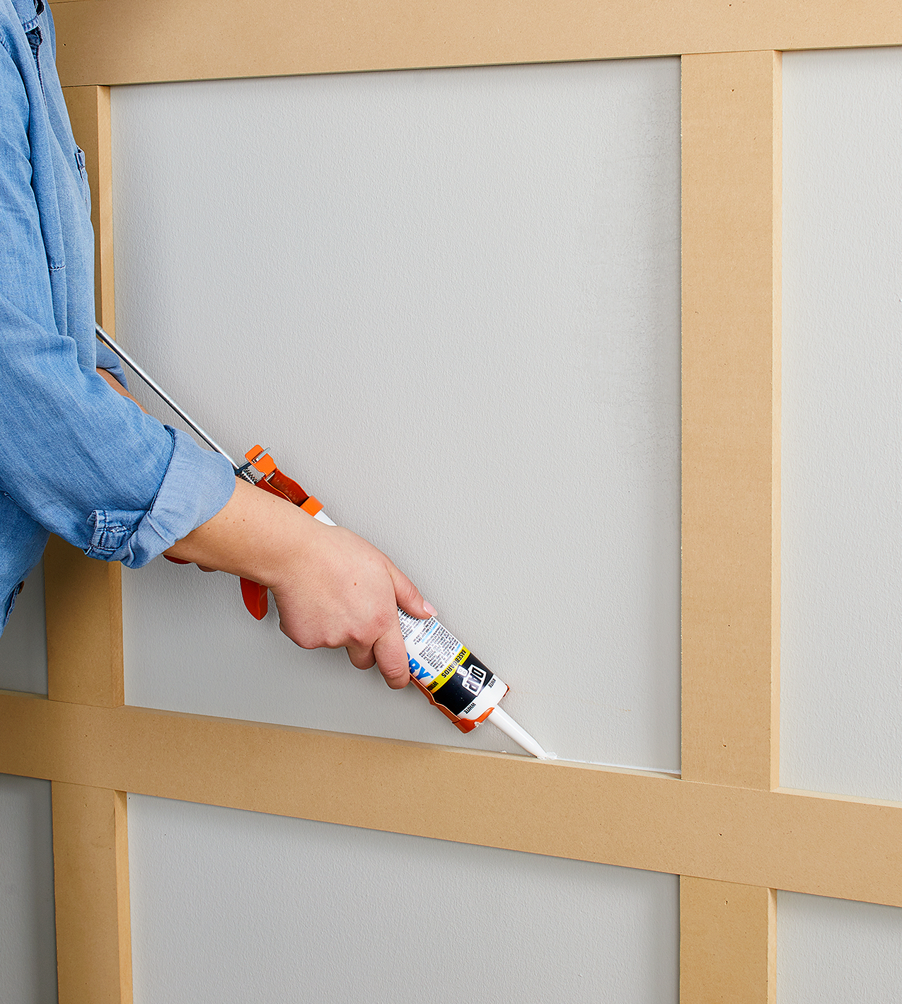 fill gaps with paintable silicone caulk