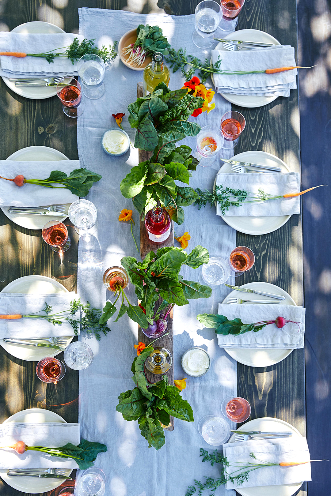 Outdoor Garden Party Table Setting