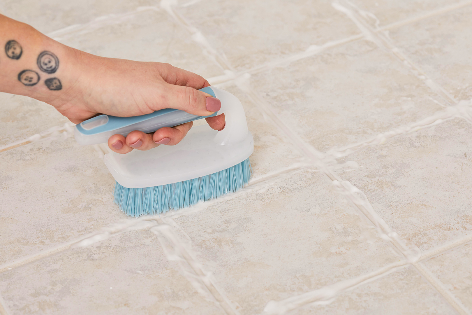 How To Clean Tile Floors Ceramic Stone Vinyl And More Better