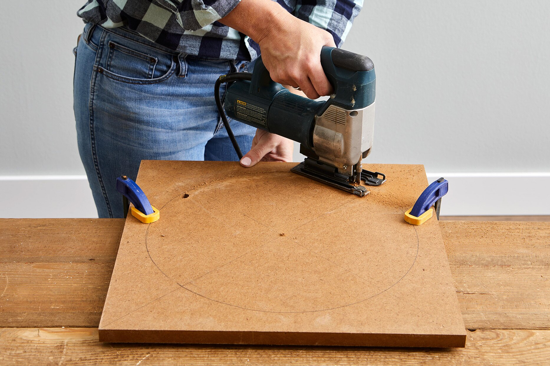 carving circle with jigsaw