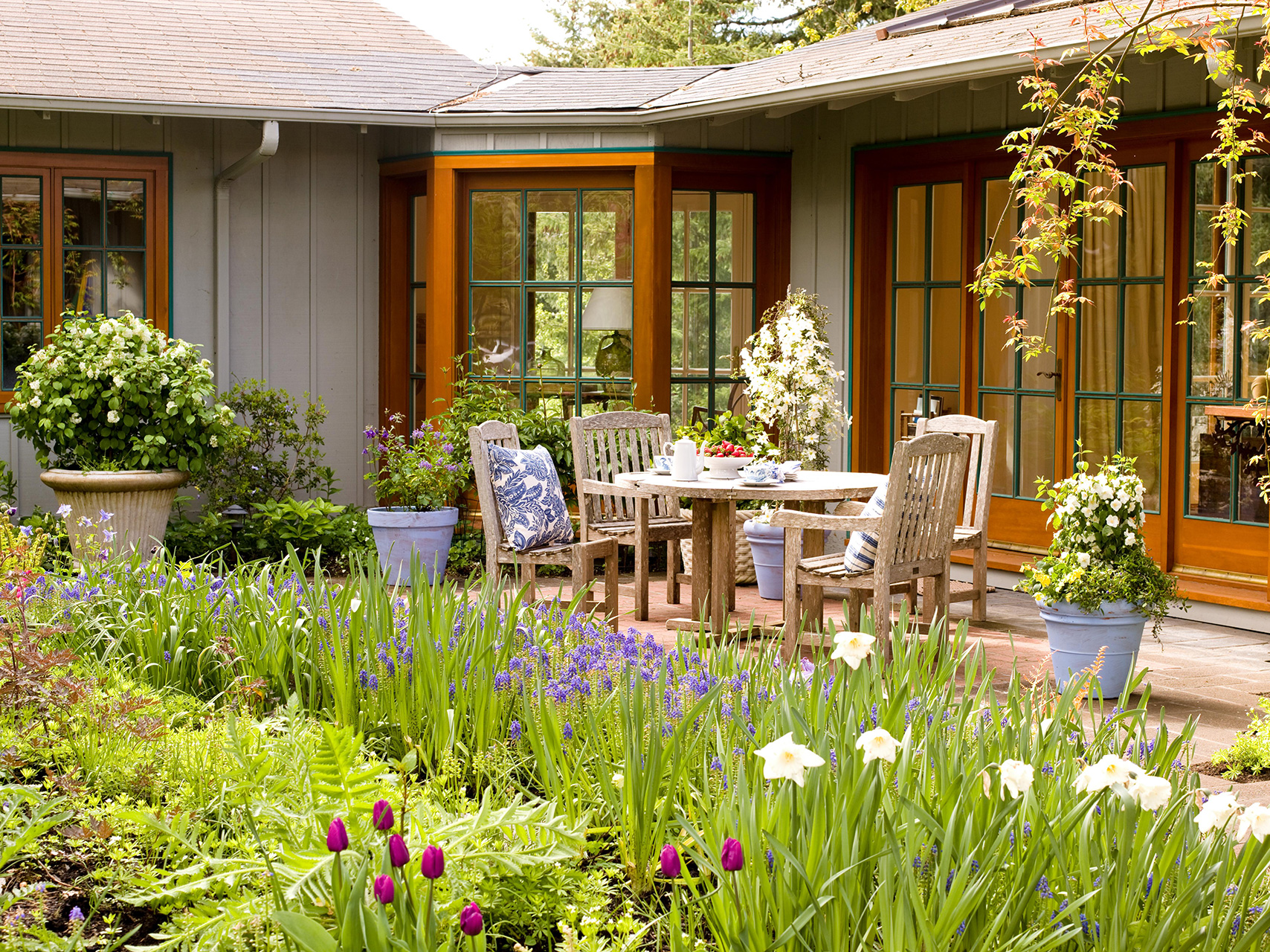 8 Landscaping Ideas for Beginners  Better Homes & Gardens
