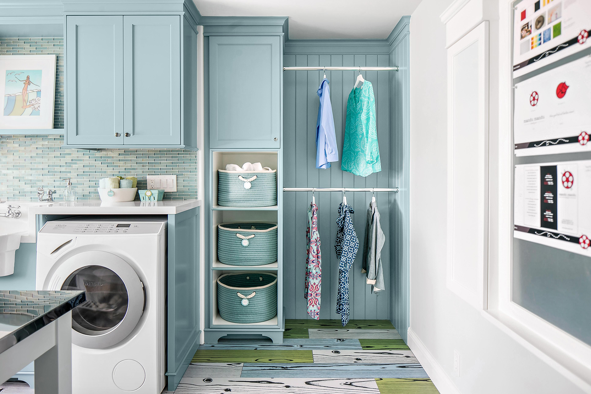 laundry room with rods for drying clothes