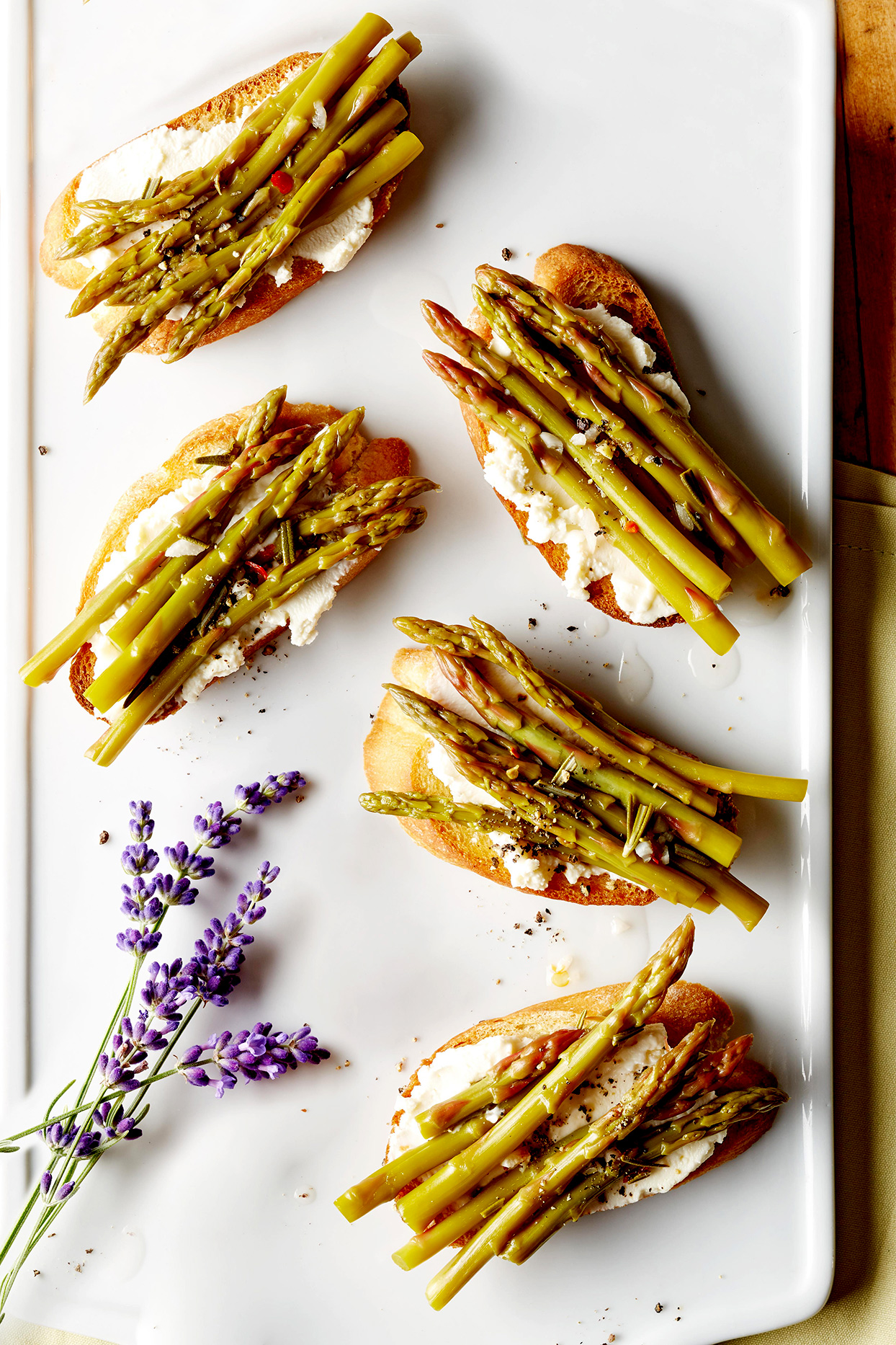 Spicy Rosemary Pickled Asparagus