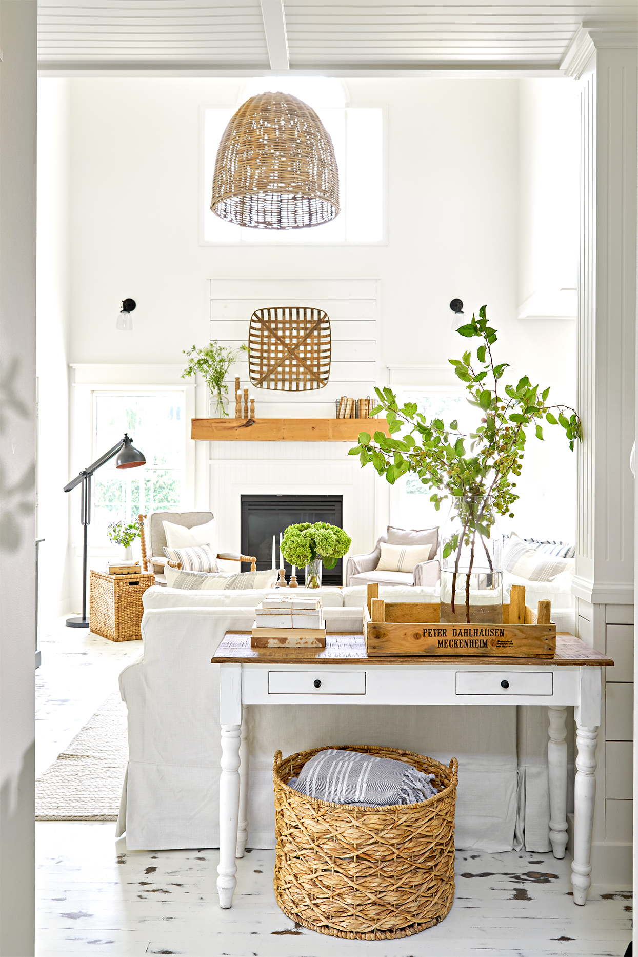 15 Farmhouse Living Room Ideas We Can T Get Enough Of Better Homes Gardens