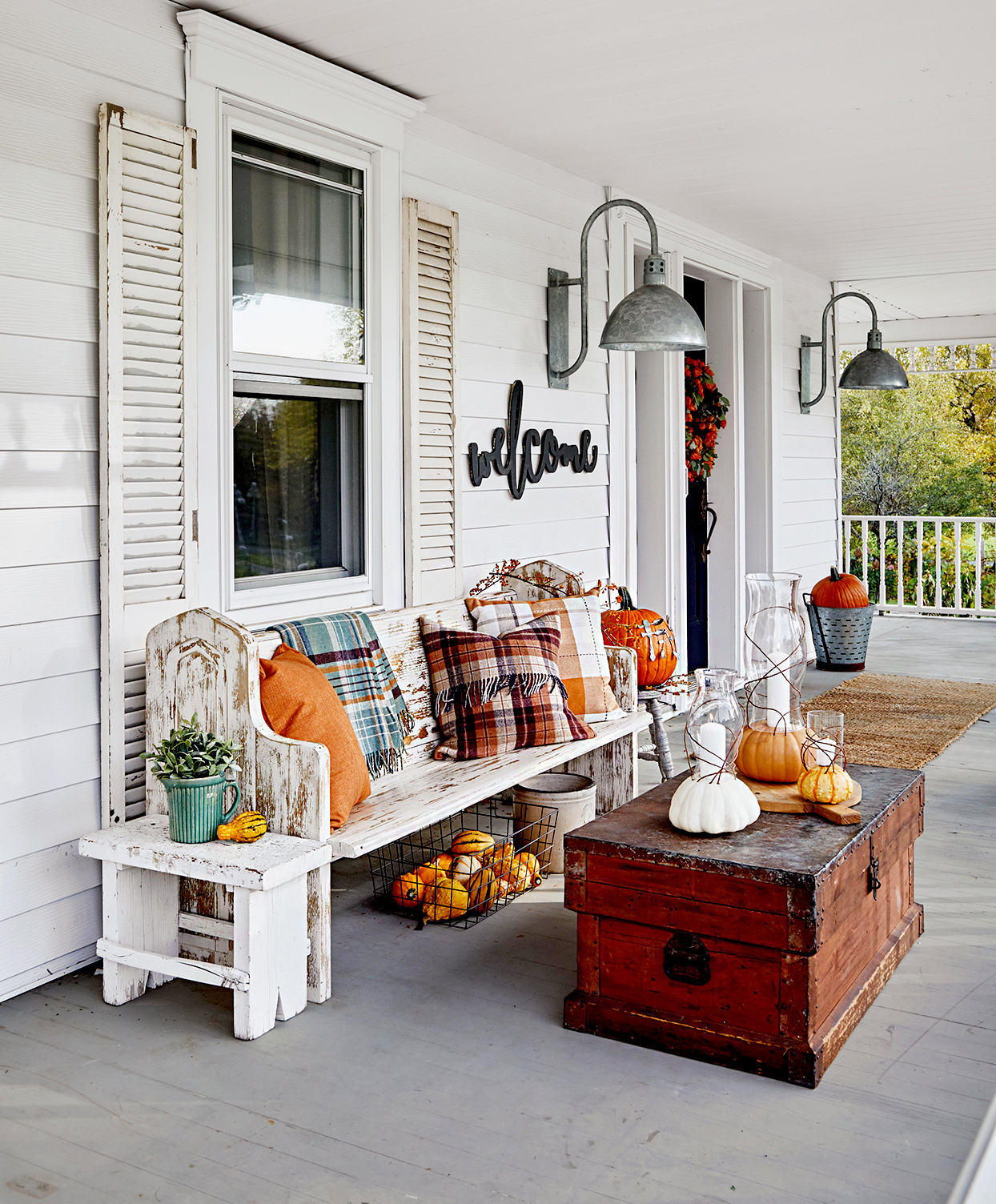 Front porch with rustic seat, chest table