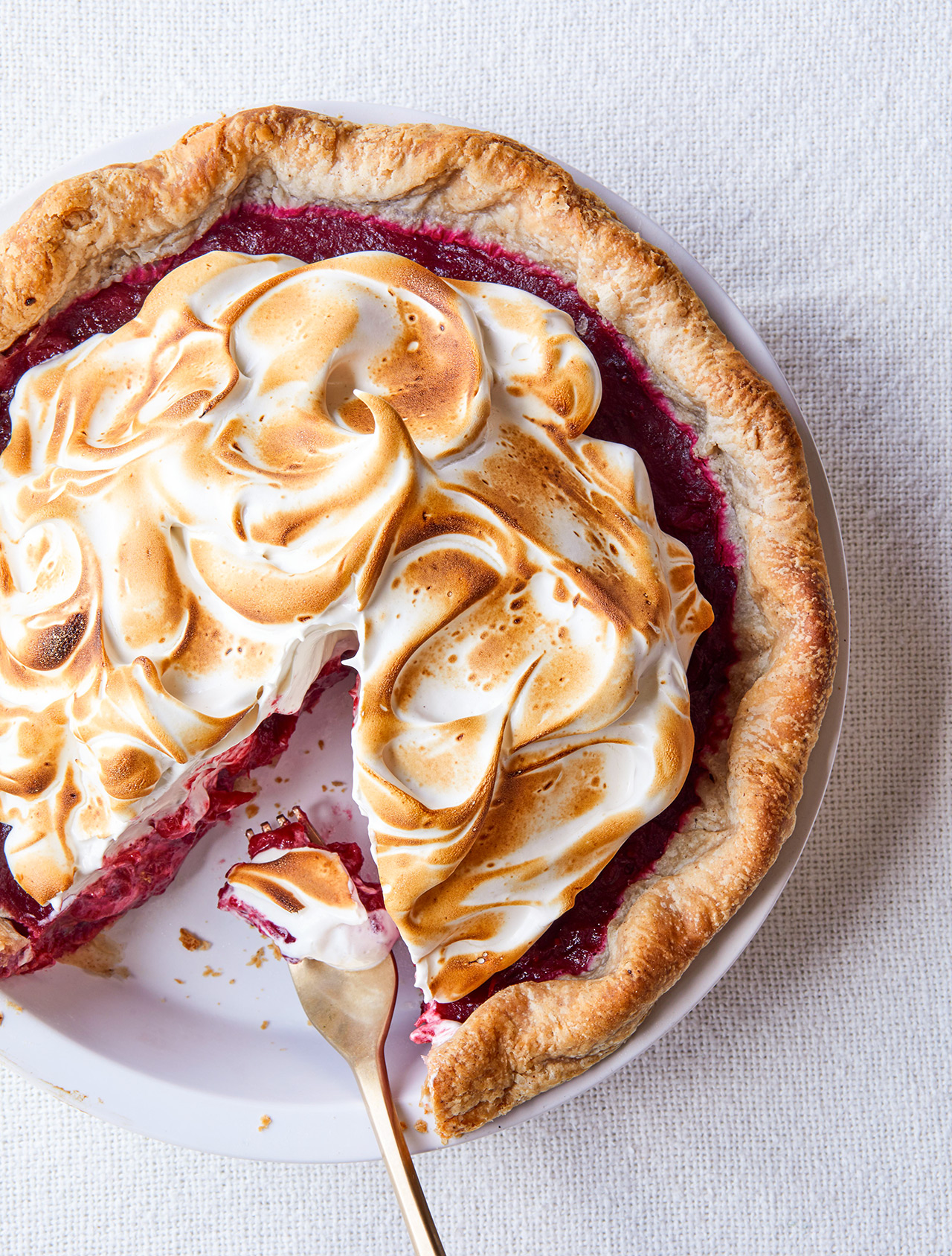 Cranberry Pie with Honey Meringue