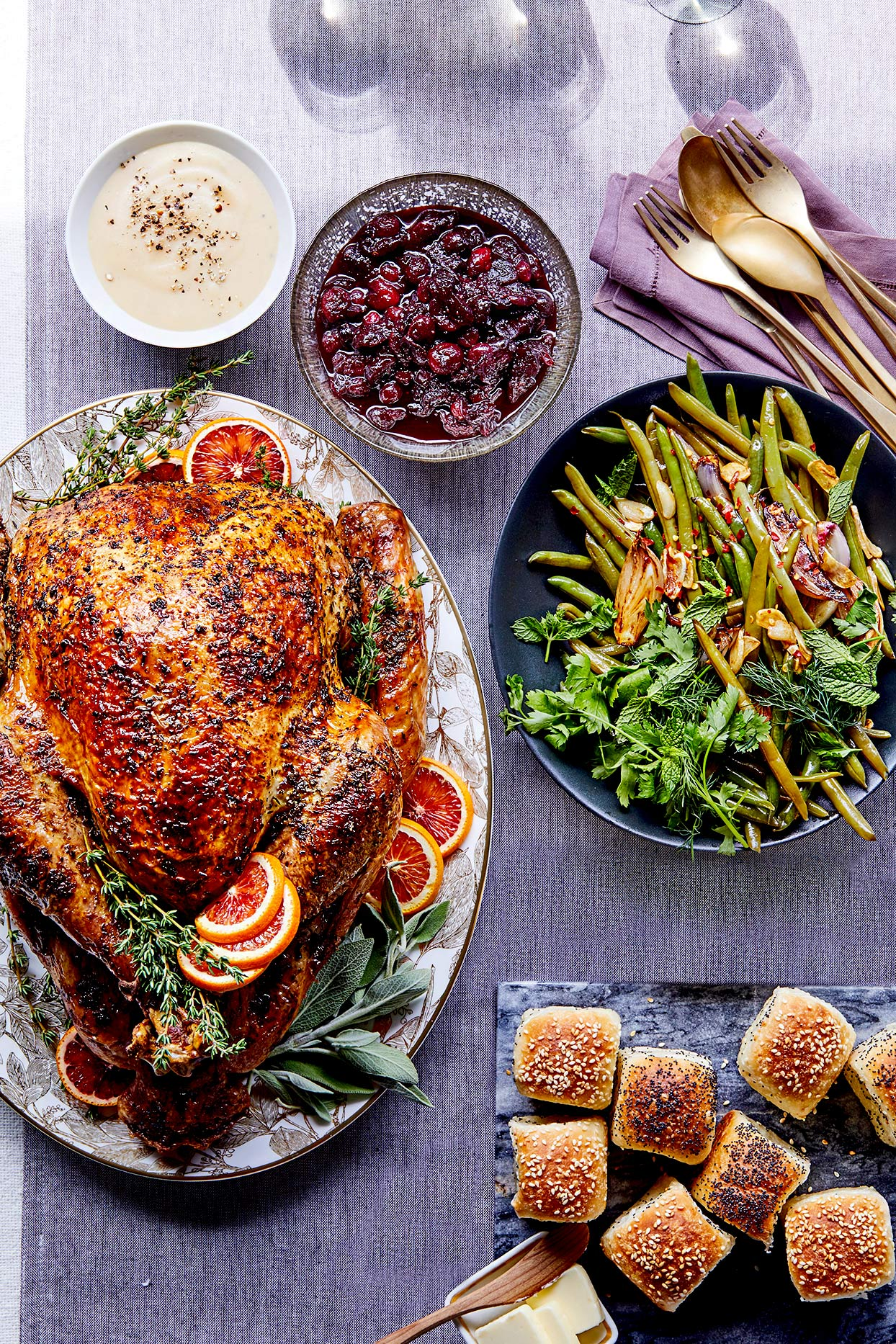 Thanksgiving Countdown: A Stress-Free Guide to Hosting for the First Time