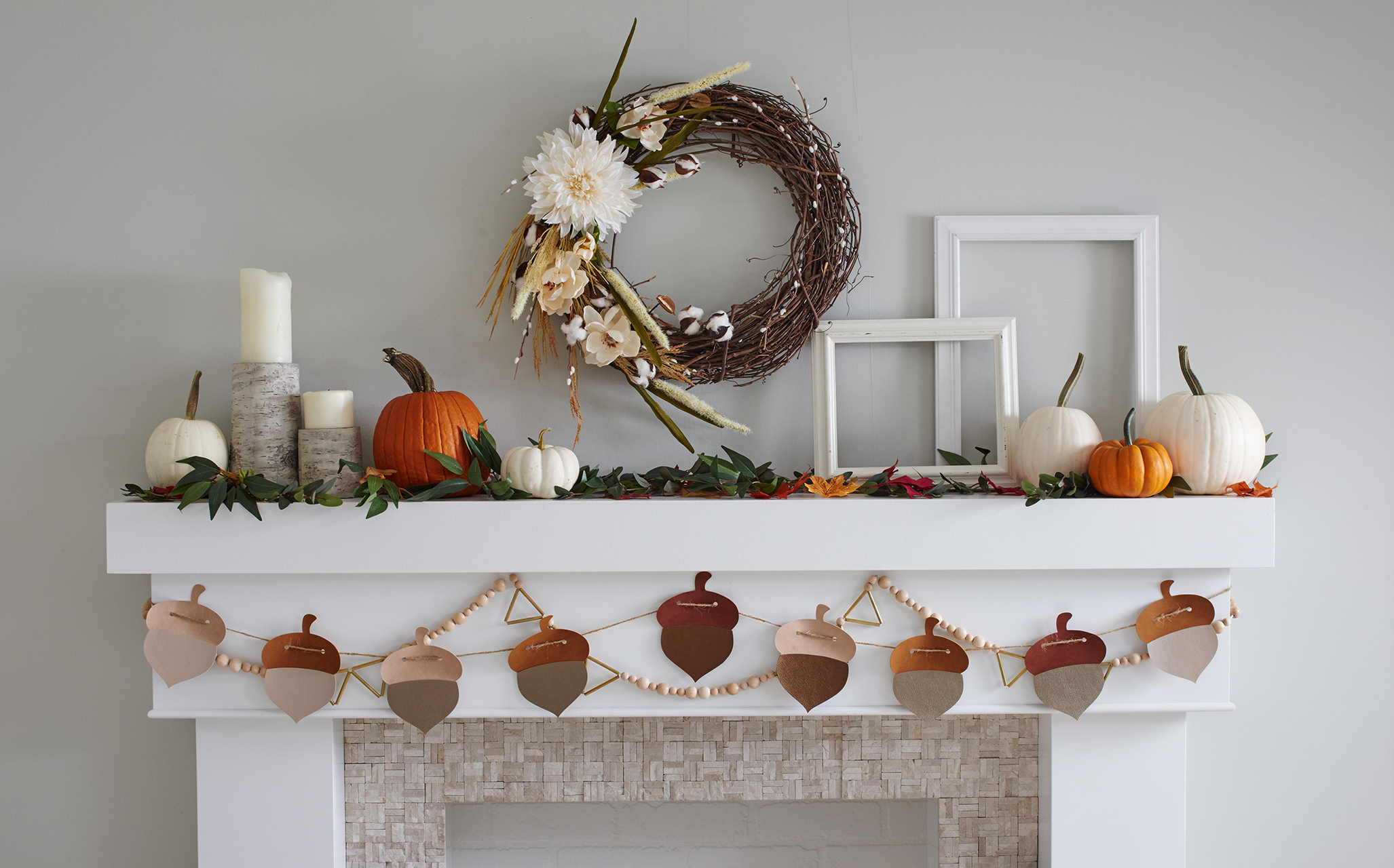 home fireplace mantel fall pumpkin acorn decor