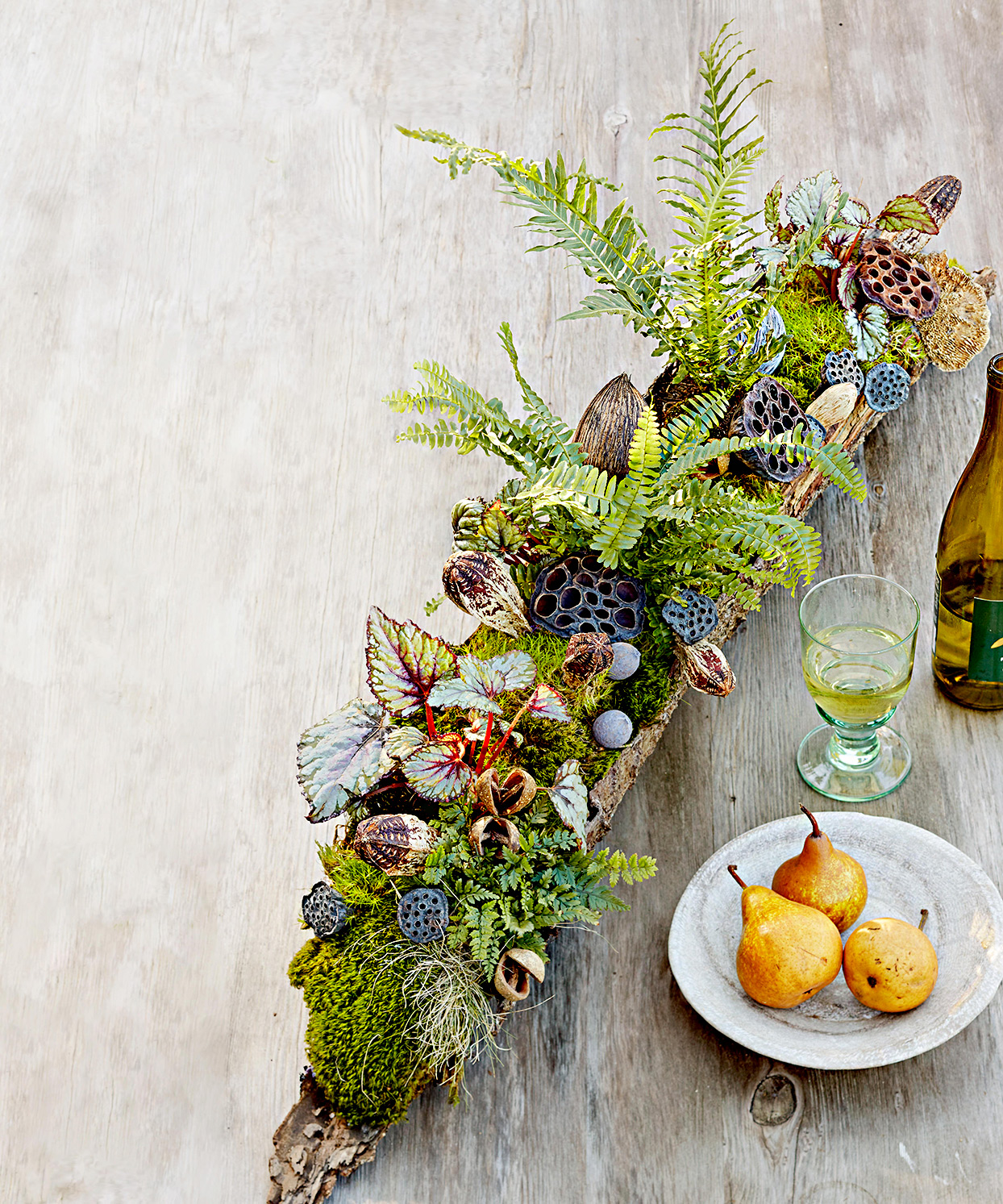 Table décor with succulents and ferns