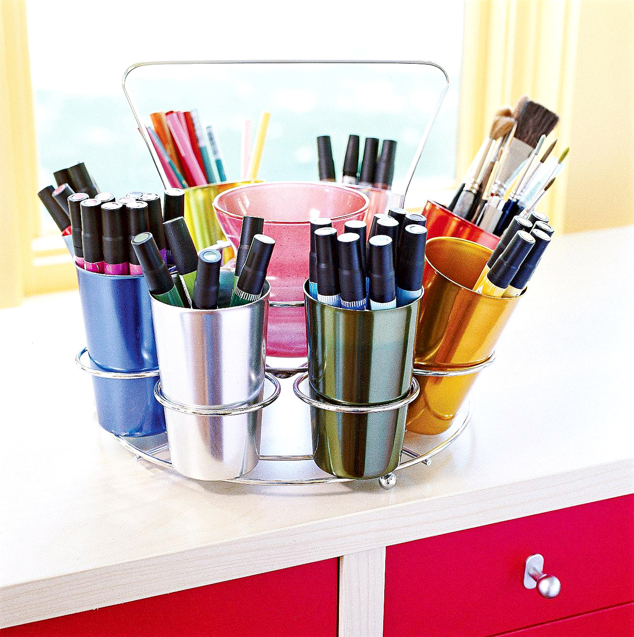 Metal holder with cups with markers