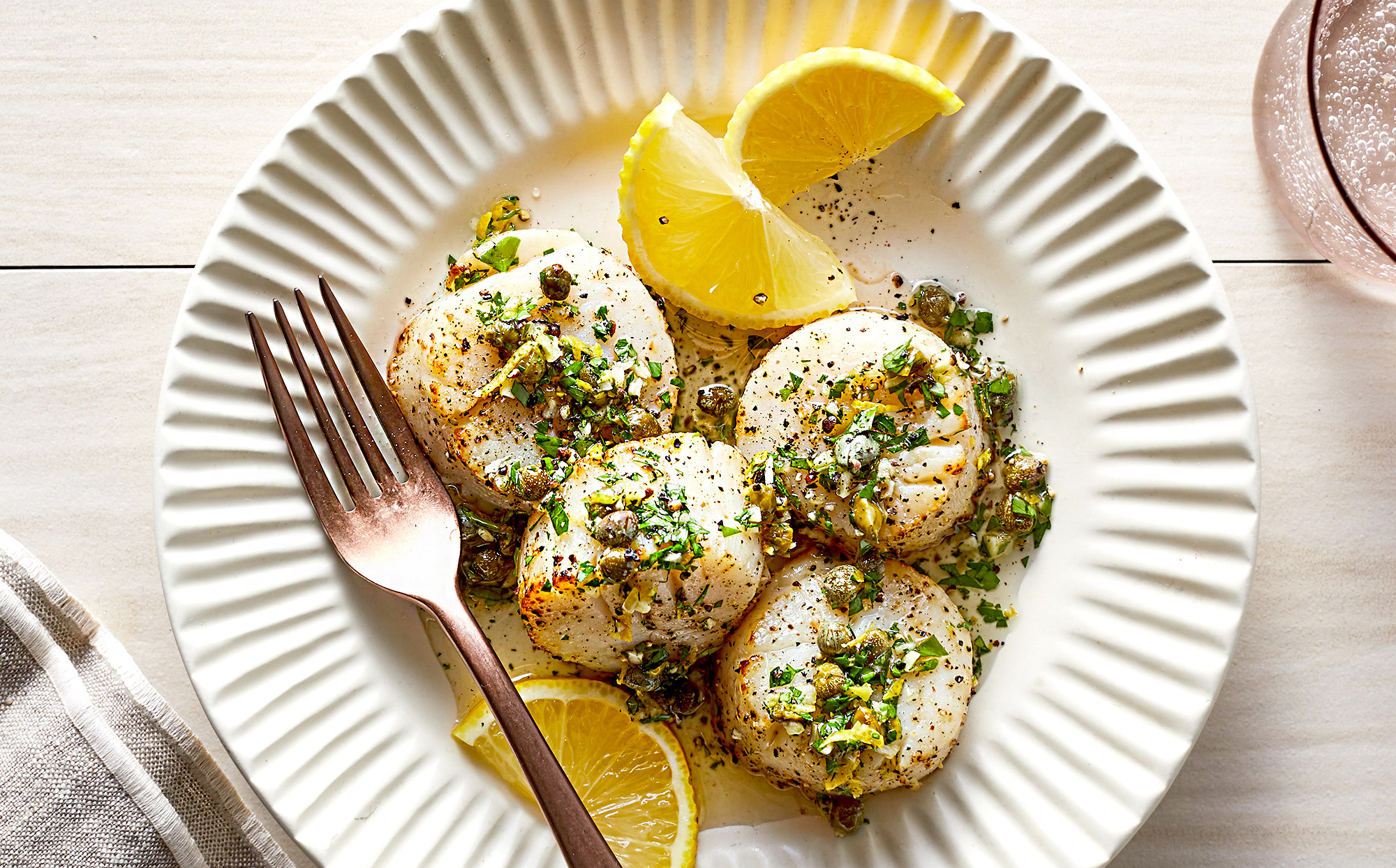 Air Fryer Scallops with Lemon-Herb Sauce