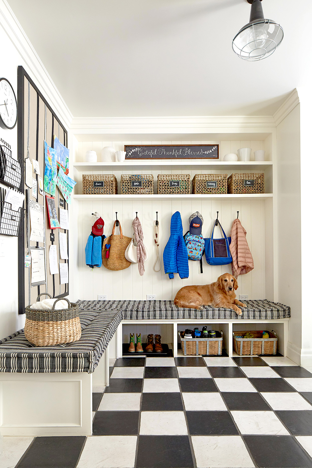 Entryway with hangers and baskets