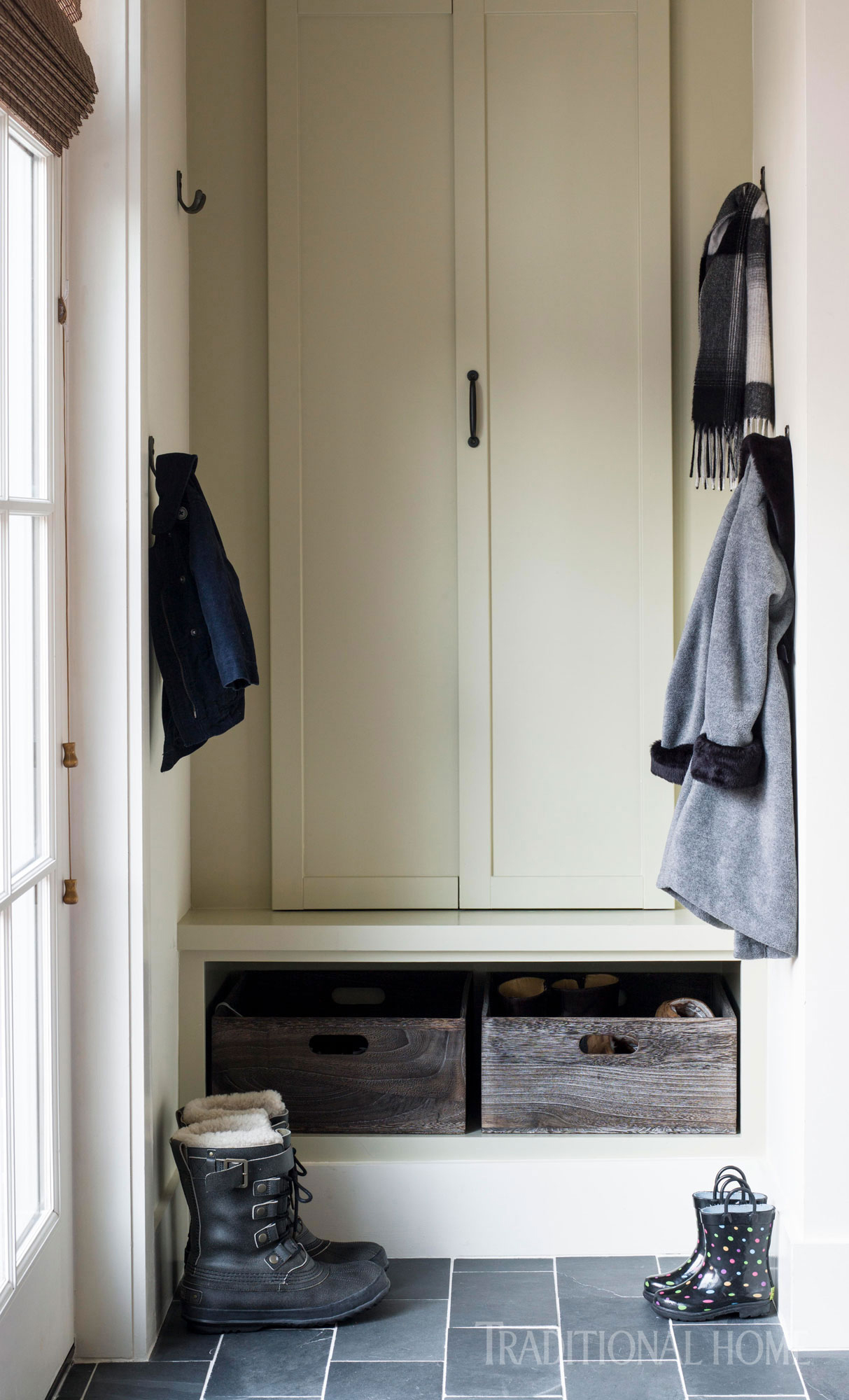 small mudroom with storage