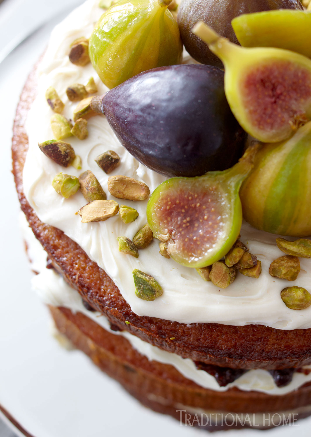 cake with figs and pistachios