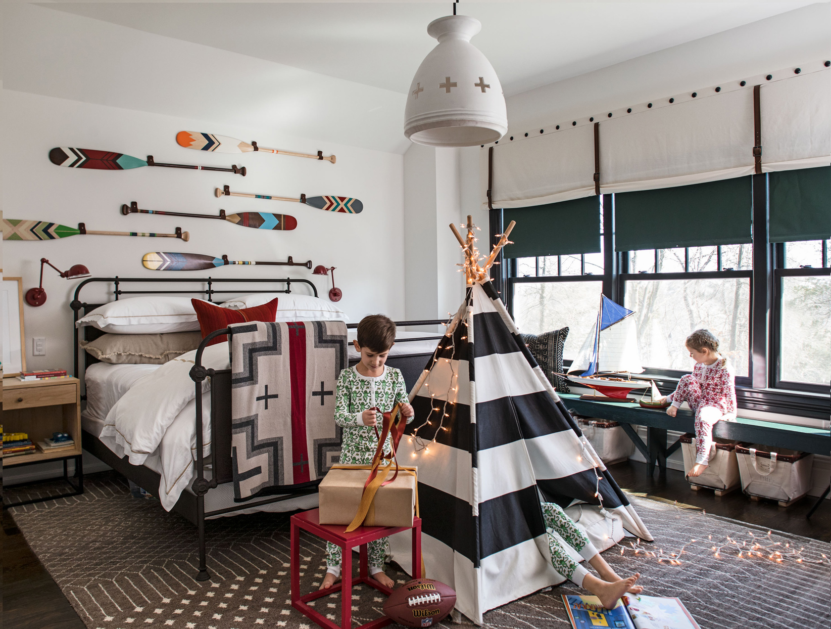 kid room with camping theme