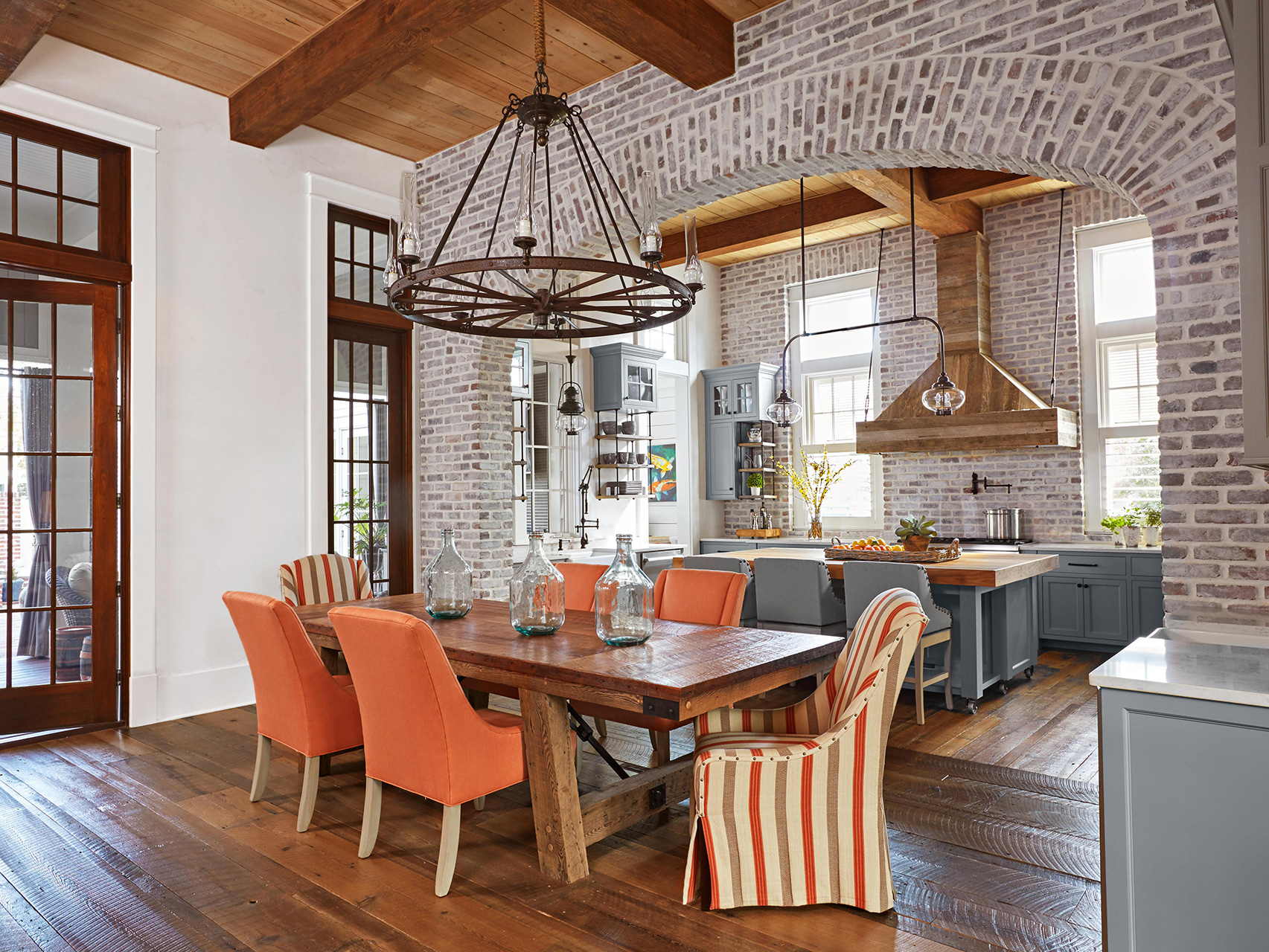 brick archway to kitchen and dining
