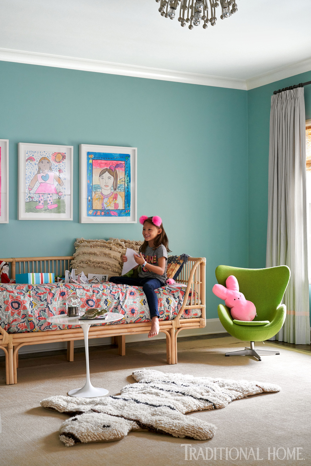 childs room with green chair