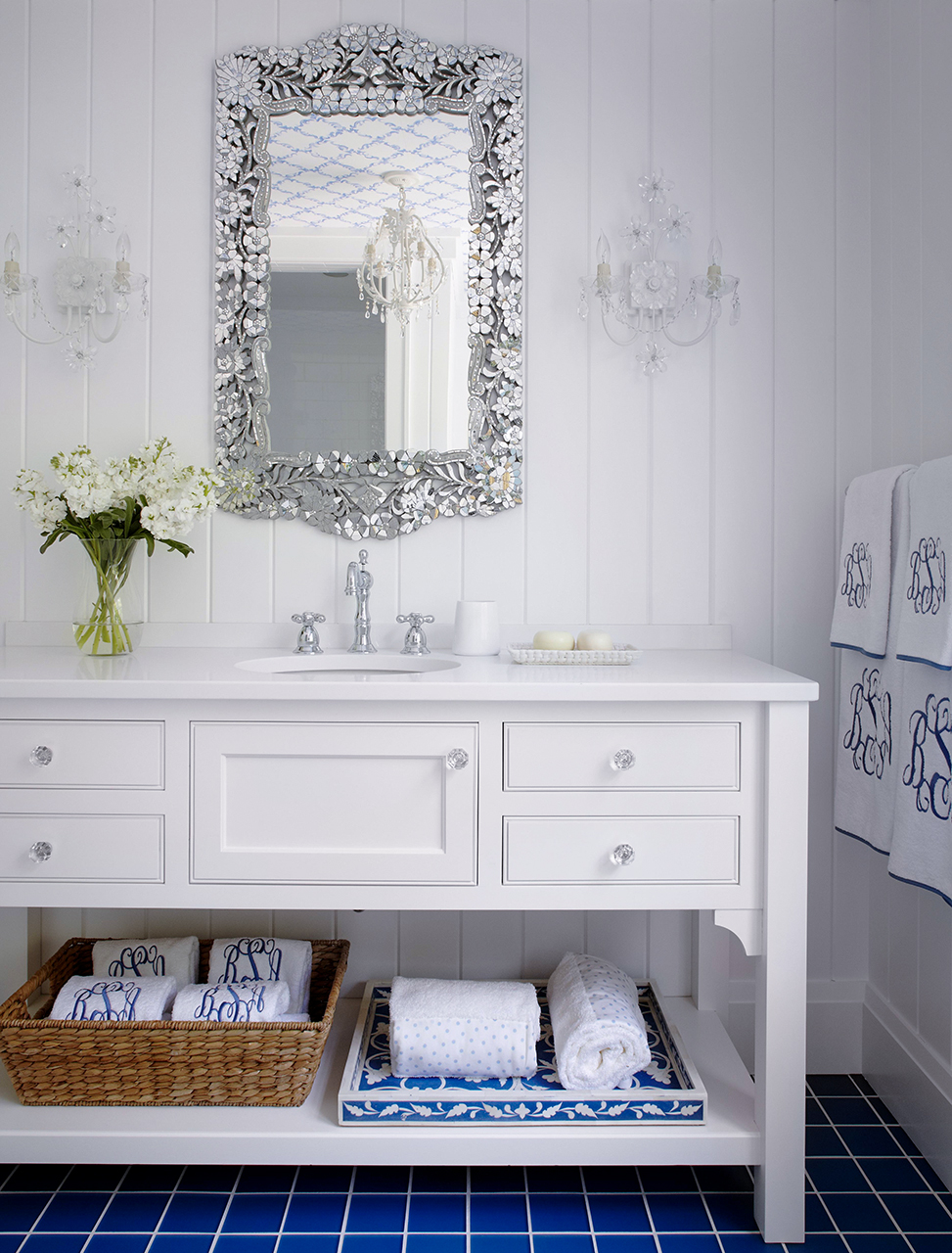 Blue and white bathroom in eclectic style