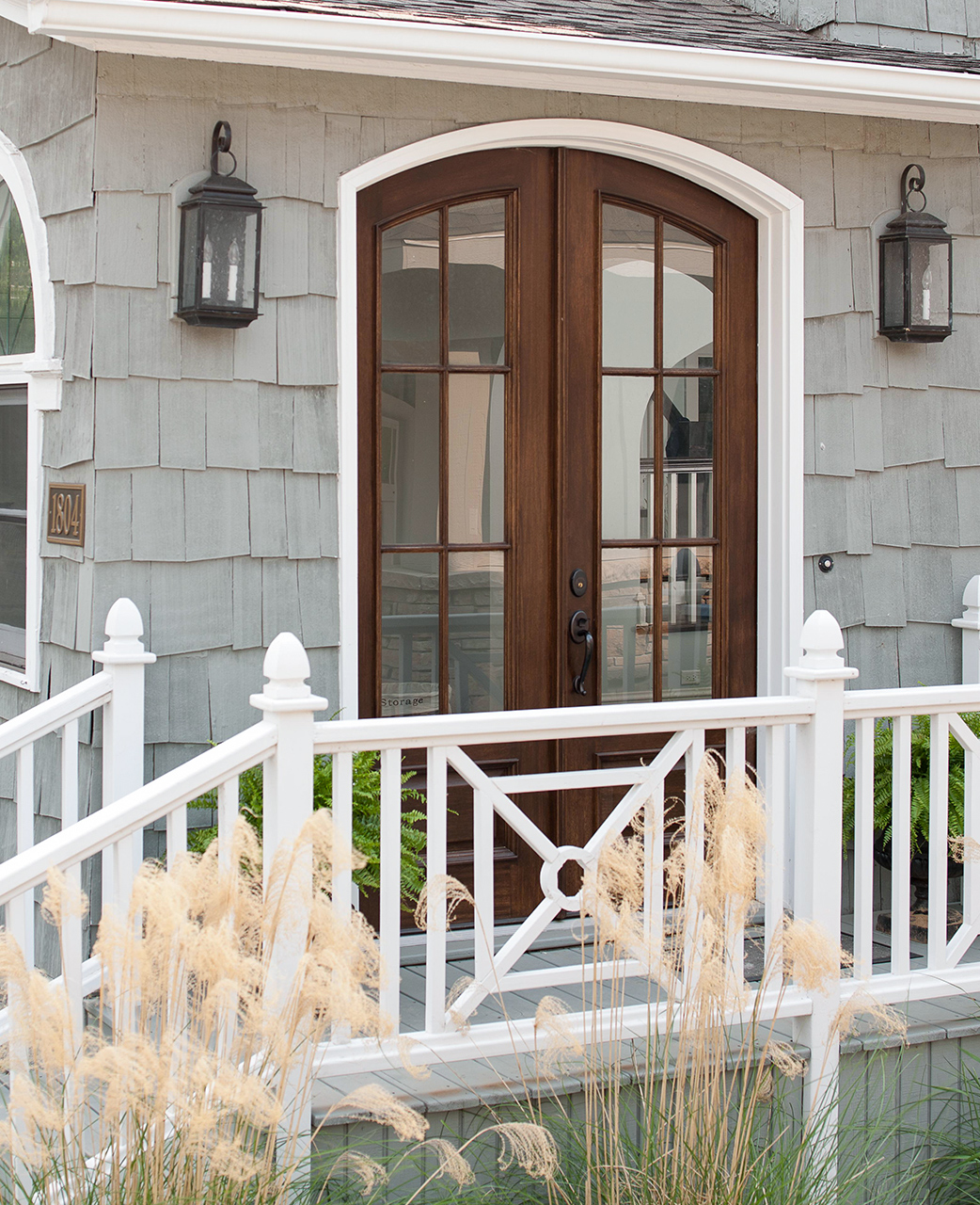 29 Creative Deck Railing Ideas to Update Your Outdoor Space
