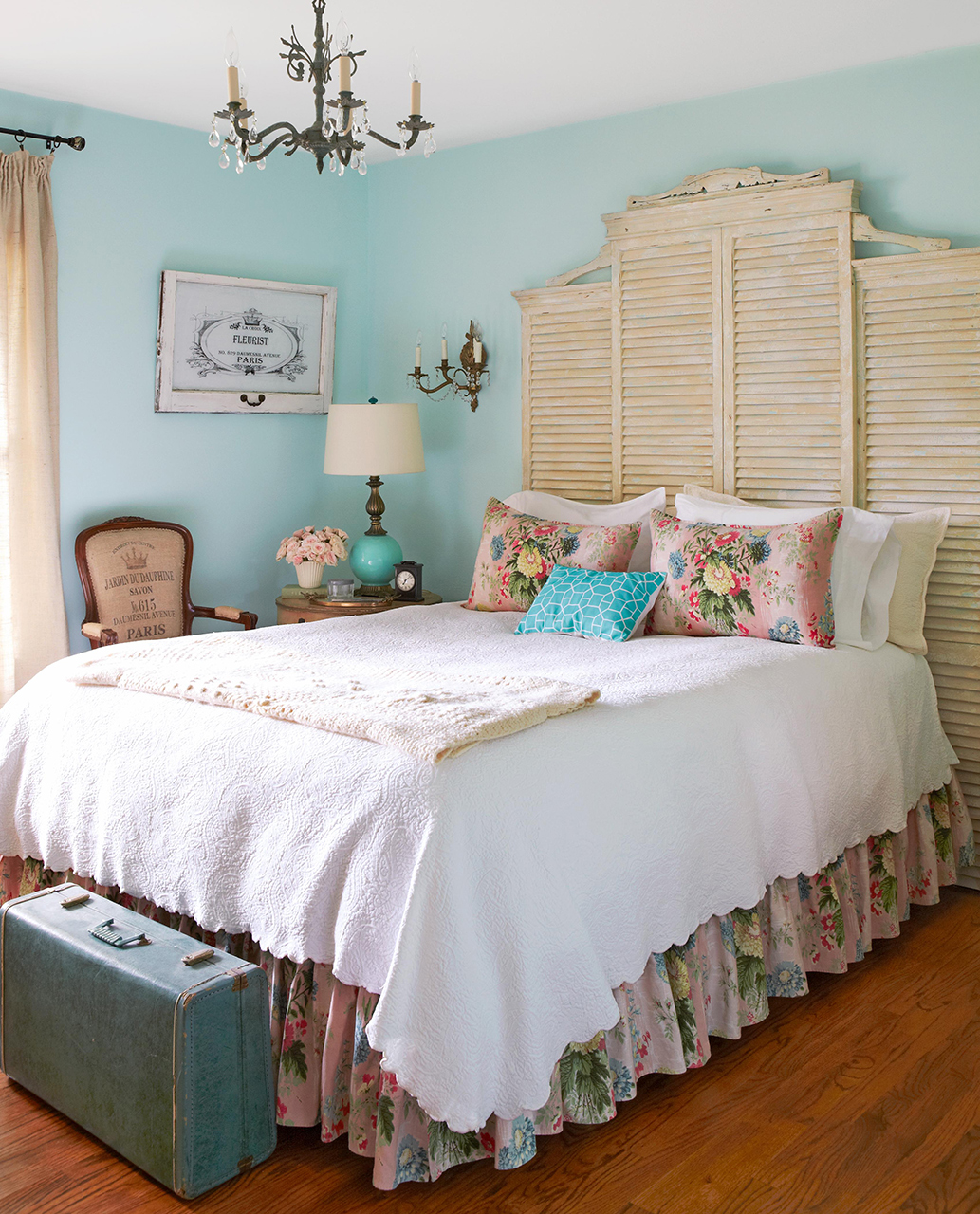 cottage bedroom diy shutter headboard