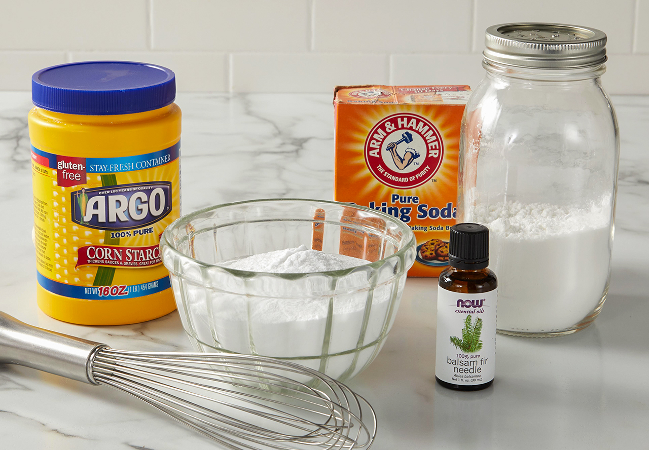 baking soda corn starch oil mix