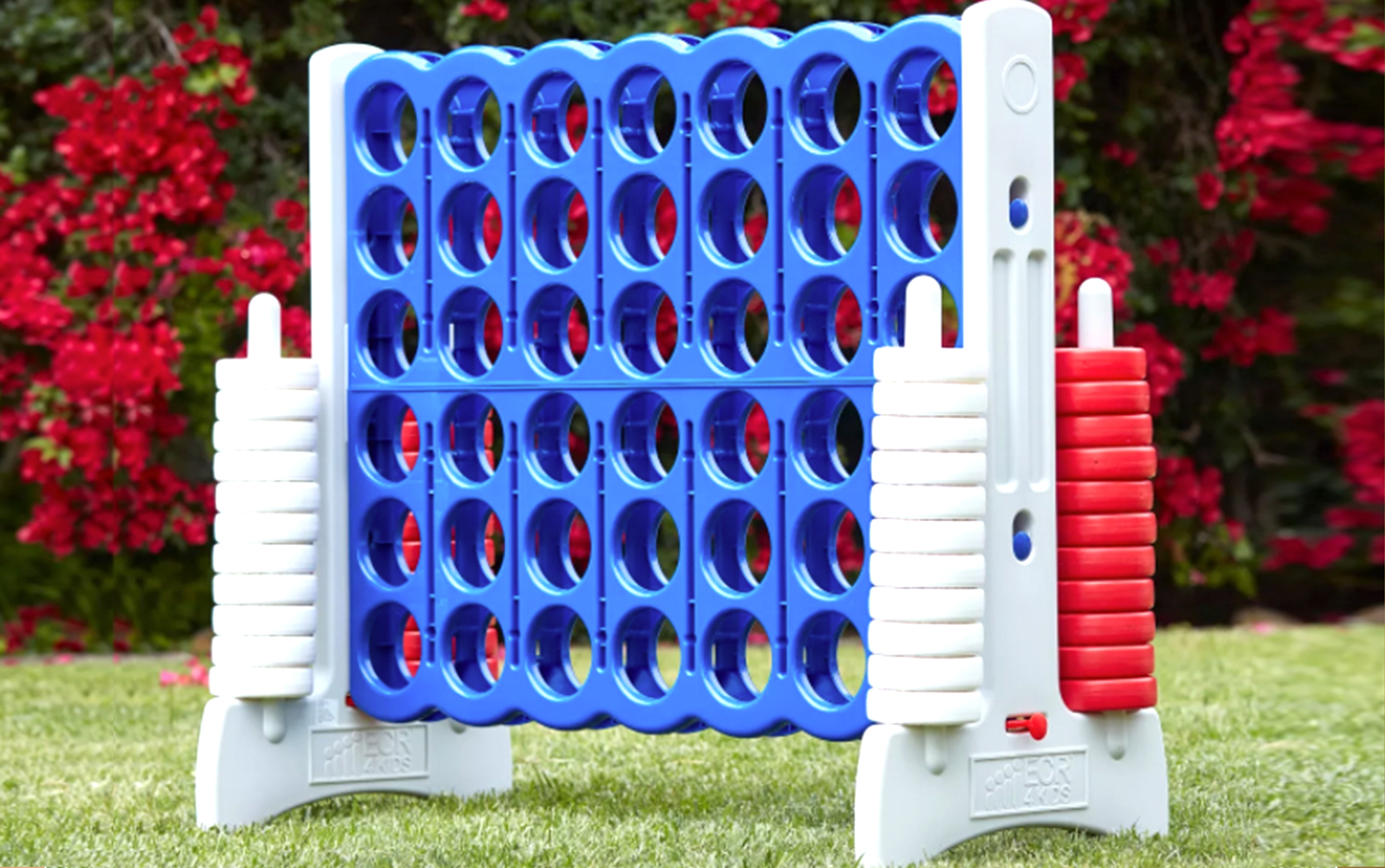 Outdoor giant connect four lawn game