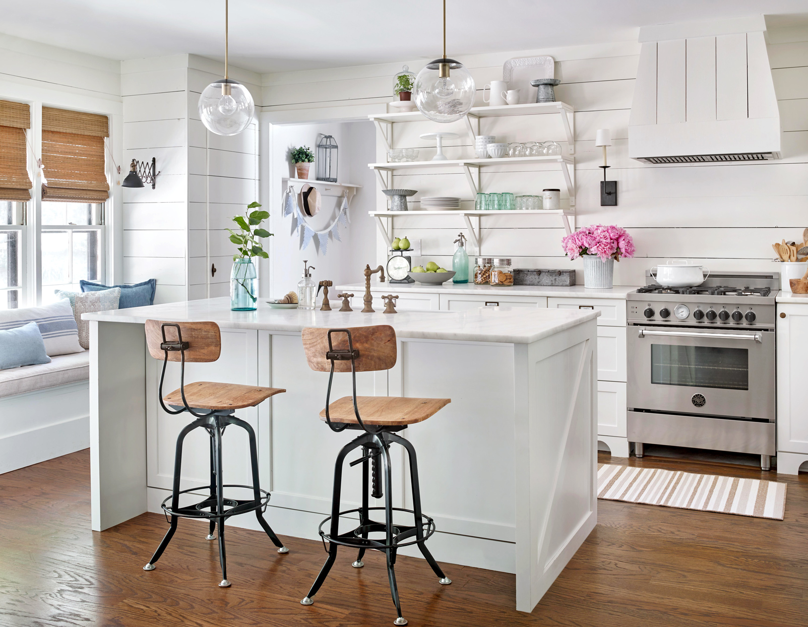 white vintage contemporary kitchen