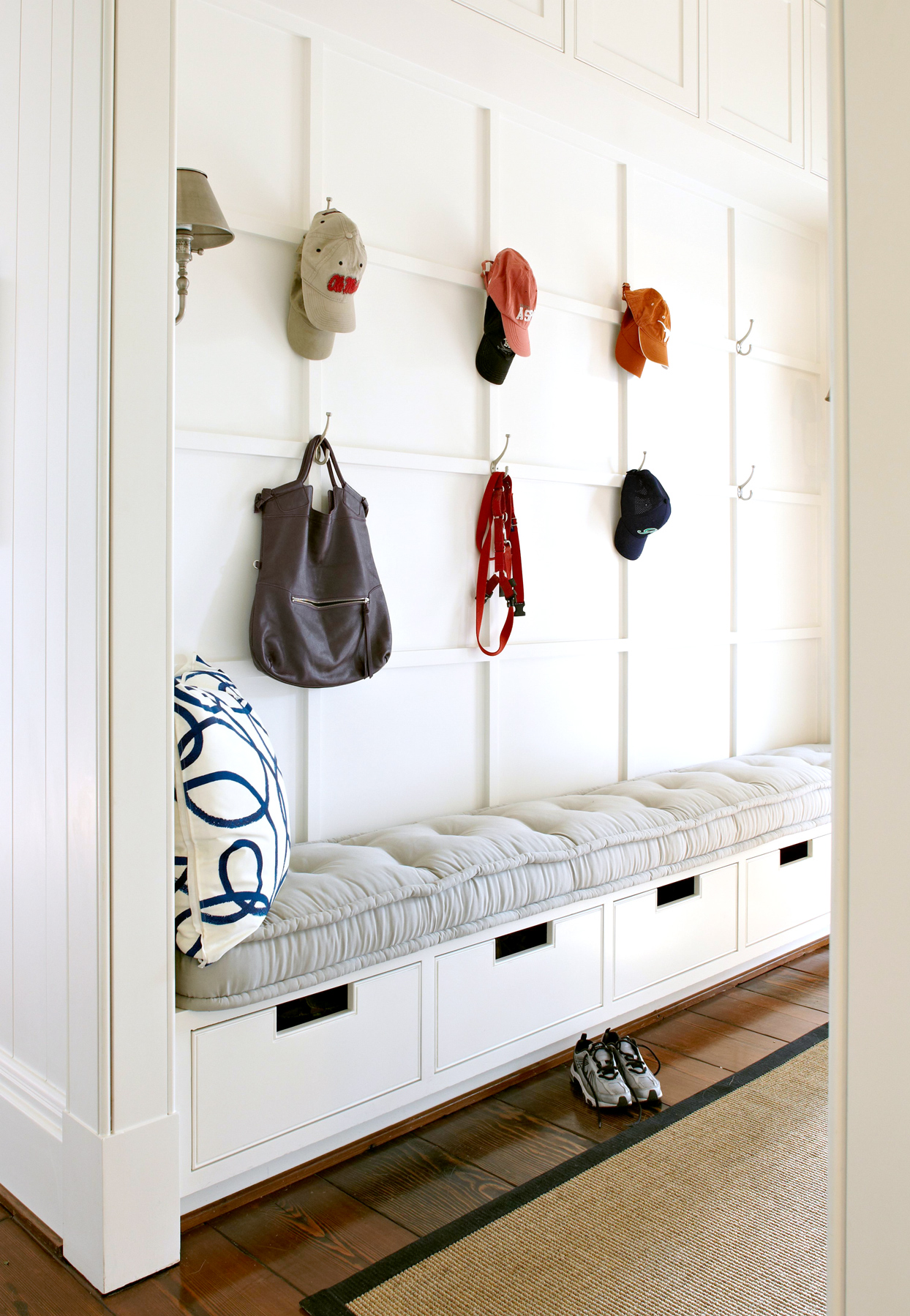 entry bench and hooks