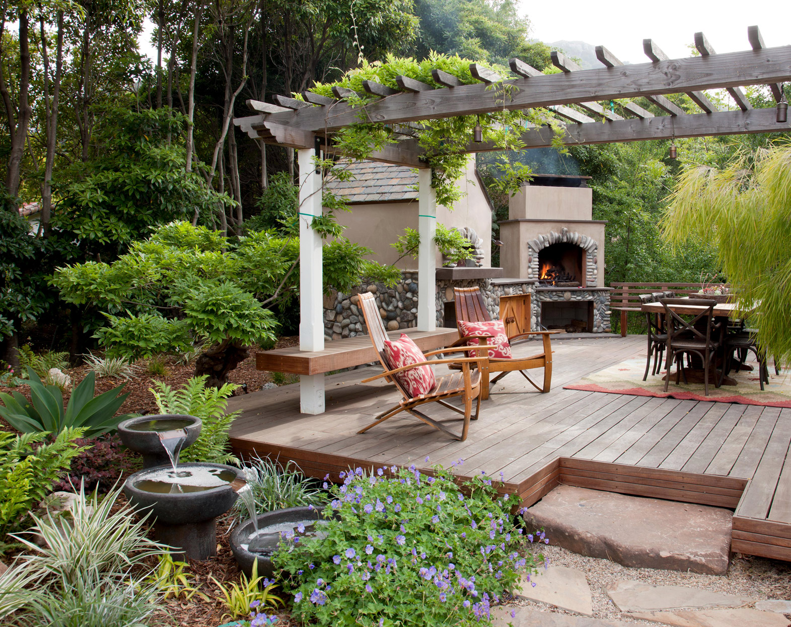 Create Zones with a Deck Pergola