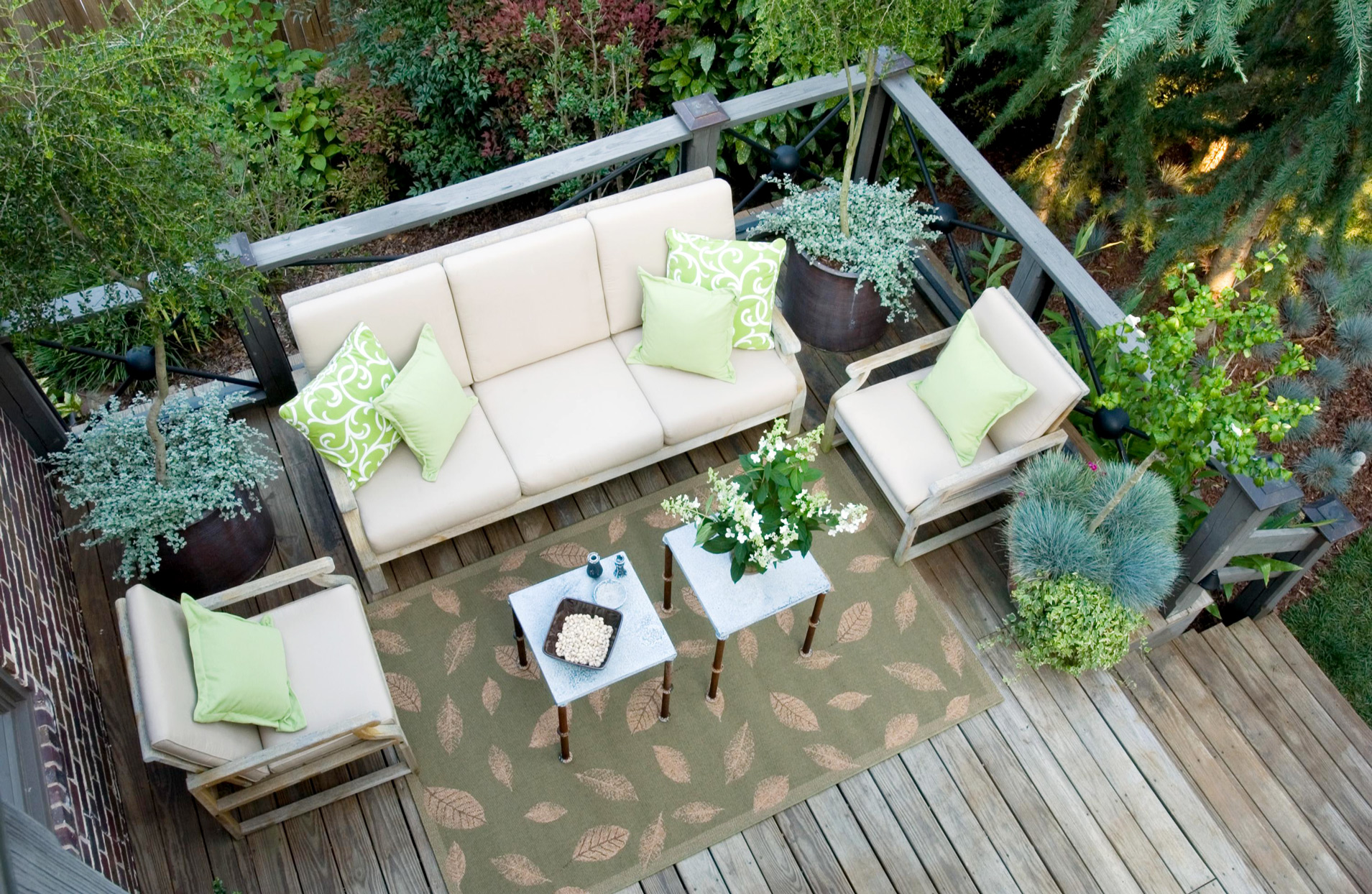 8 Tips For Choosing The Best Patio Furniture For Your Outdoor Space Better Homes Gardens