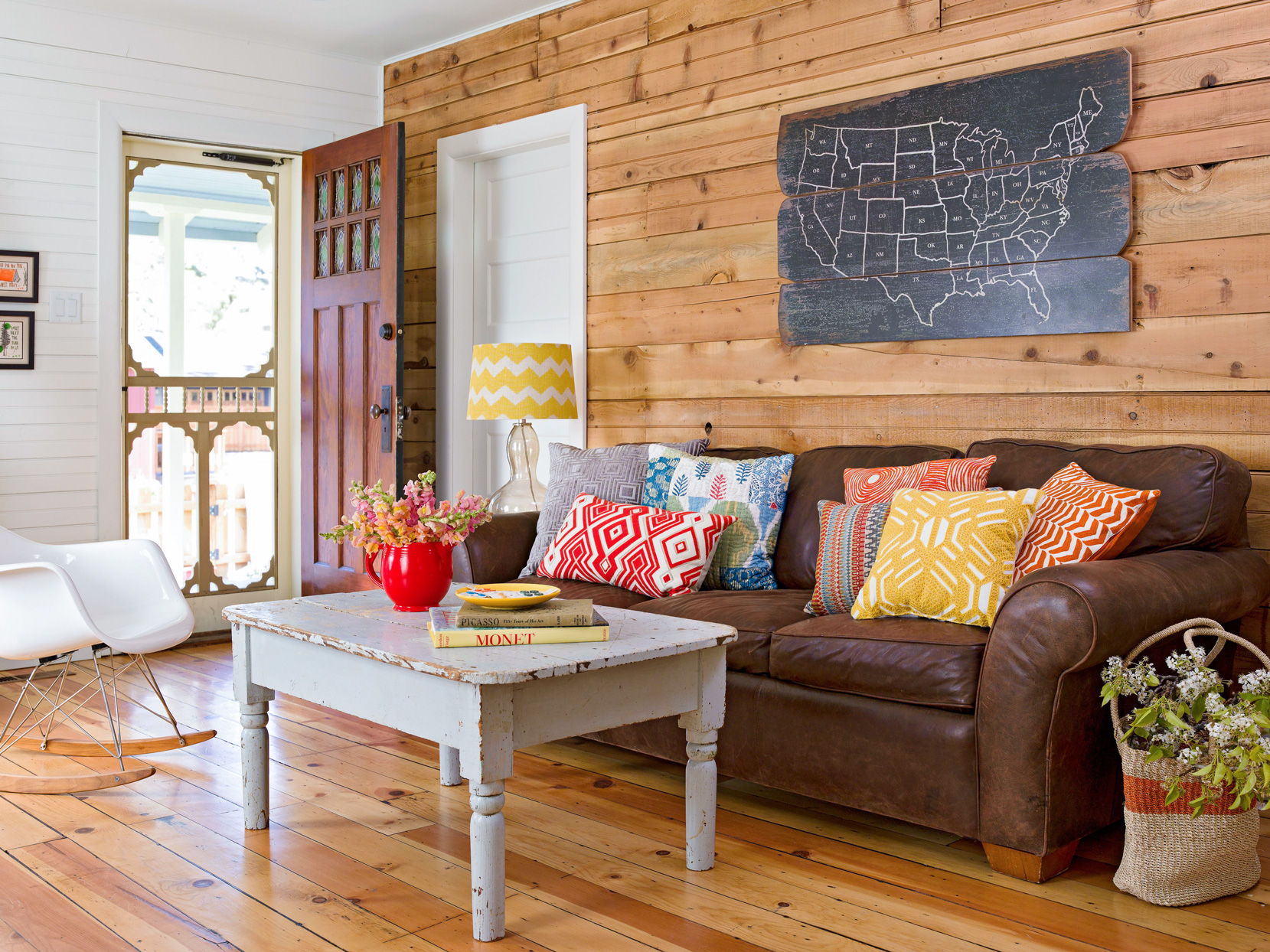 Our Favorite Ways To Decorate With A Brown Sofa Better Homes Gardens
